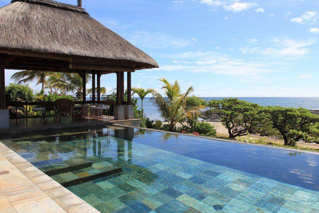 piscine traditionnelle débordement bordeaux