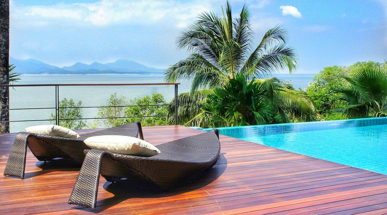 piscine debordement terrasse bois exotique ipe cumaru